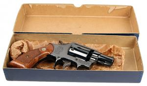 Smith & Wesson Model 10-5  - Box